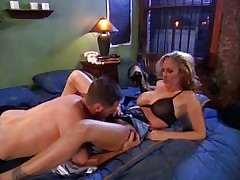 Julia Ann tube porno - tube amateur mature