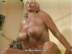 Naked sex tube - sexy milf gets fucked